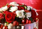 Passo a passo: arranjo de flores natalino - Paulo Bau/UOL