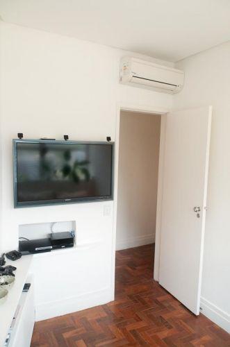 O segundo dormitório serve como sala de TV e quarto de hóspedes
