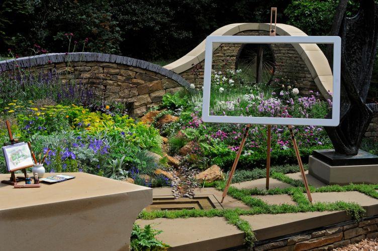 Criado por Gillespies, o jardim celebra a arte e as paisagens do condado inglês de Yorkshire. As plantas e a superfície utilizadas na ambientação são uma clara referência aos campos do local. O jardim conquistou a medalha de prata na categoria
