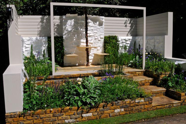 Assinado por William Quarmby (Quarmby Landscaping & Design), o jardim