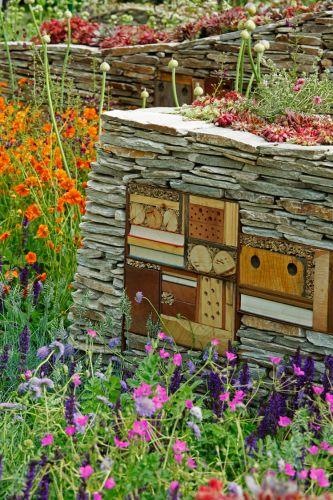 Criado pela Nigel Dunnett & The Landscape Agency e com patrocínio de um banco canadense o jardim