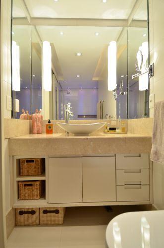 Banheiros pequenos dicas de decoração para quem tem pouco espaço  BOL Fotos -> Banheiro Pequeno Projetado