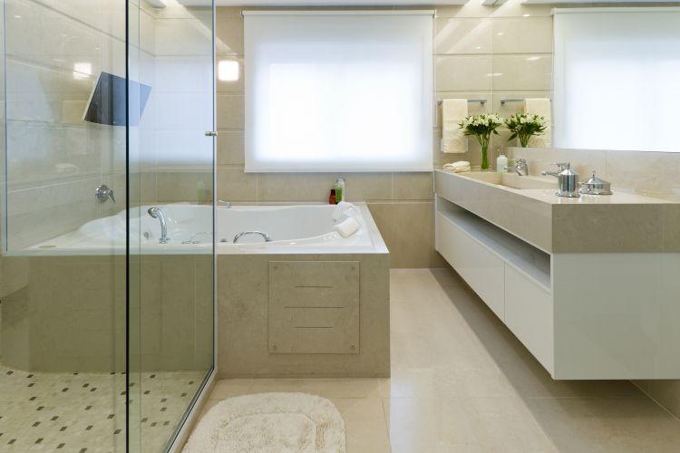 Inspirese em 27 projetos para banheiros de sonho  Casa e Decoração  UOL Mu -> Planta De Banheiro Com Banheira Dupla