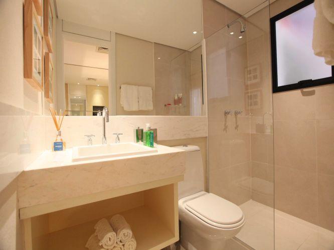 Inspirese em 27 projetos para banheiros de sonho  Casa e Decoração  UOL Mu -> Banheiro Pequeno Marmore