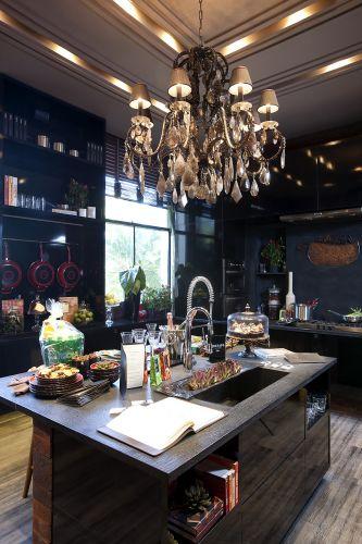 A Cozinha Contemporânea da arquiteta Fabiana Sá, na 25ª edição da Casa Cor. A exposição fica em cartaz no Jockey Club de São Paulo de 24 de maio a 12 de julho de 2011 (24/05/2011)