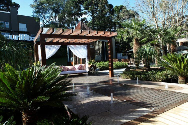 Praça Casa Cor Paraná desenvolvida por Nadia Bentz e Vanderlan Farias para a 18ª edição da Casa Cor Paraná, aberta ao público de 10 de junho a 19 de julho de 2011, em Curitiba