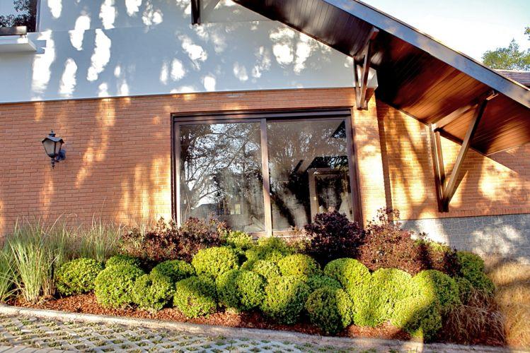 Jardim de Entrada da Casa criado por Andréa Santos Vianna para a 18ª edição da Casa Cor Paraná, aberta ao público de 10 de junho a 19 de julho de 2011, em Curitiba