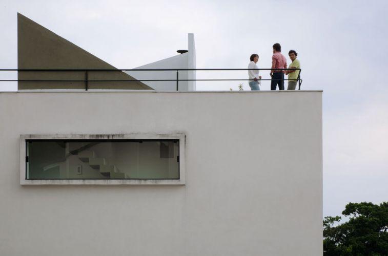 terraco jardim detalhe:Detalhe da fachada da Casa Mirante do Horto, em São Paulo, de Flávio