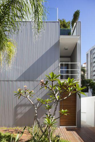 terraco jardim detalhe:Detalhe da fachada de uma das residências do conjunto Vila Itaim, em