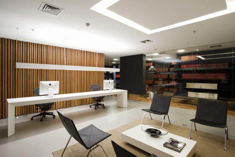 Forros veja modelos de diversos materiais para diferentes for Contemporary office layout