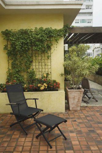 grades madeira jardim:Conheça opções de paisagistas para jardins com trepadeiras – Casa e