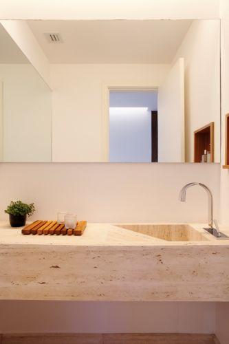 Lavabos veja projetos charmosos para esses pequenos espaços  Casa e Decoraç -> Cuba Para Banheiro Triangular