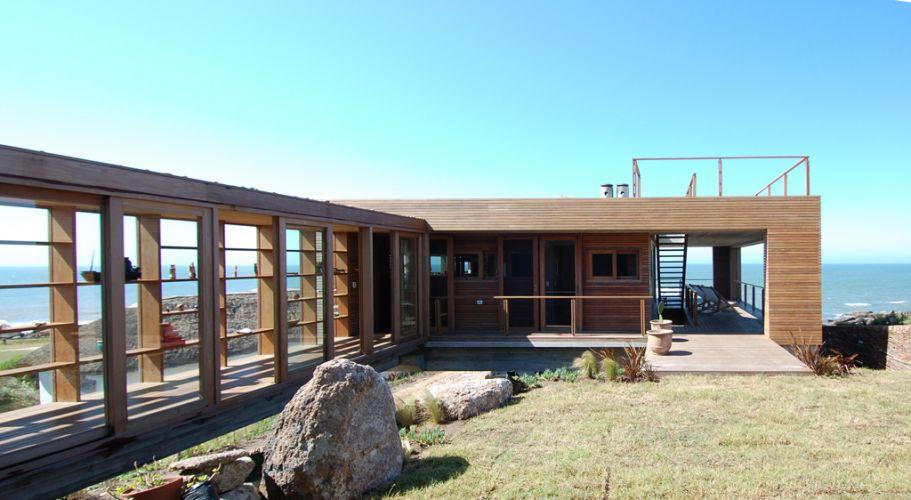 """""""La roca creada por el arquitecto chileno Mathias Klotz cruza la arquitectura con el paisaje preexistente."""" La Roca La Roca, un refugio de lujo mathias klotz casas f 008"""