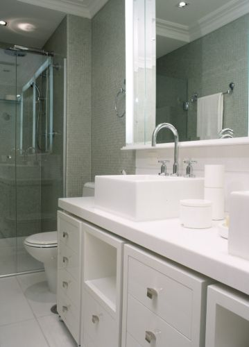 Banheiros pequenos dicas de decoração para quem tem pouco espaço  BOL Fotos -> Loucas Banheiro Pequeno