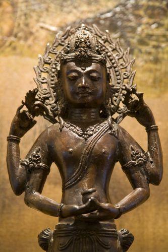 Escultura em bronze de deusa hindu, trazido de Bali, Indonésia