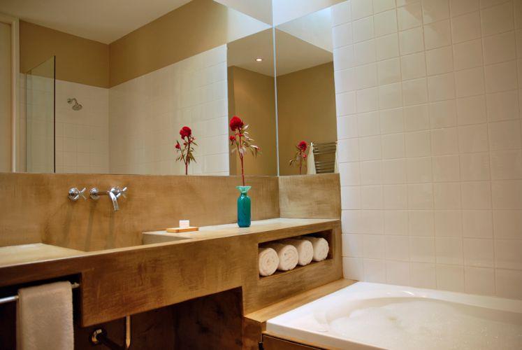 Divulgação -> Banheiro Com Banheira De Cimento