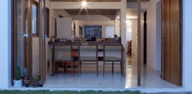 ideias e projetos de decoracao de interiores:Reforma moderniza e confere novas funcionalidades a sobrado – Casa e