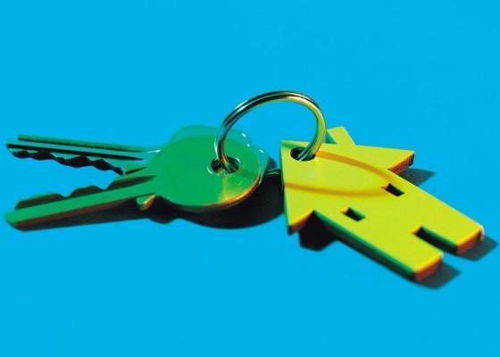 Deve constar do contrato de compra e venda de imóveis, a data para conclusão das obras e respectiva transferência da posse para o comprador