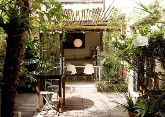 Al�m do jardim e dos m�veis, � essencial tamb�m ter espa�o para a circula��o na varanda