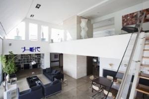 Reforma leva luz e amplitude a apartamento duplex com integração visual de áreas - Fran Parente/UOL