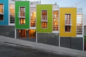 Lofts no Chile unem modernidade e tradição em paisagem colorida - Marcos Mendizabal/Divulgação