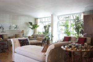 Reforma cria sala de TV e cozinha integradas em apartamento de 165 m² - Marco Pinto / UOL