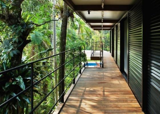 Para ter um guarda-corpo, é importante obedecer às nomas de projeto e construção. O elemento também é fundamental da estética de sua casa e deve ser considerado como tal.