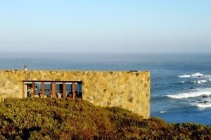 Com139 m², casa em praia chilena associa conforto com preservação do meio ambiente - Divulgação
