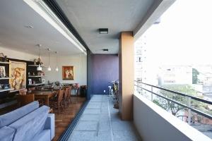 Edifício tem 15 apartamentos, todos diferentes e prontos para mudanças - veja um deles - Fran Parente / UOL