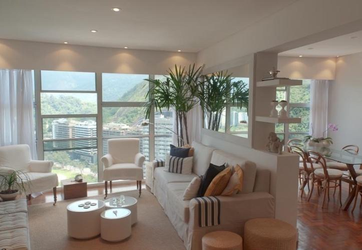 decoracao de apartamentos pequenos na praia : decoracao de apartamentos pequenos na praia:Living de apartamento na Lagoa Rodrigo de Freitas, Rio de Janeiro