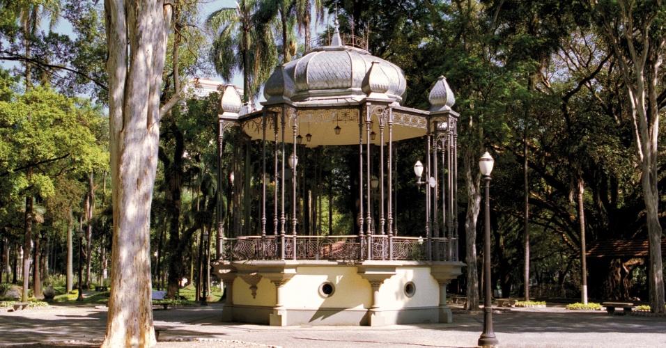 Coreto do Jardim da Luz após a restauração e revitalização do parque paulistano em 2000