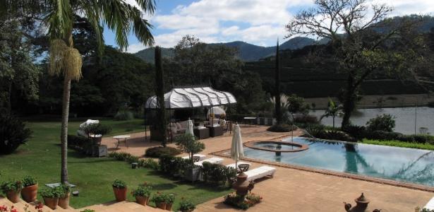 Jardins de fazenda no interior de SP adaptamse ao estilo da casa e à