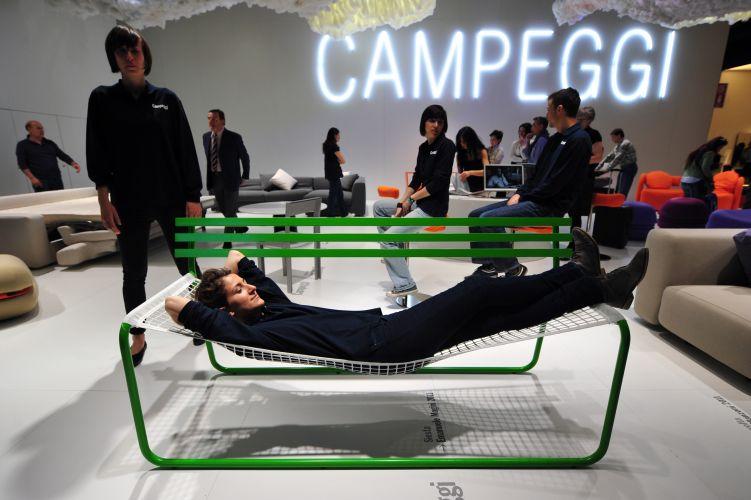 Giuseppe cacace afp for Espositori salone del mobile
