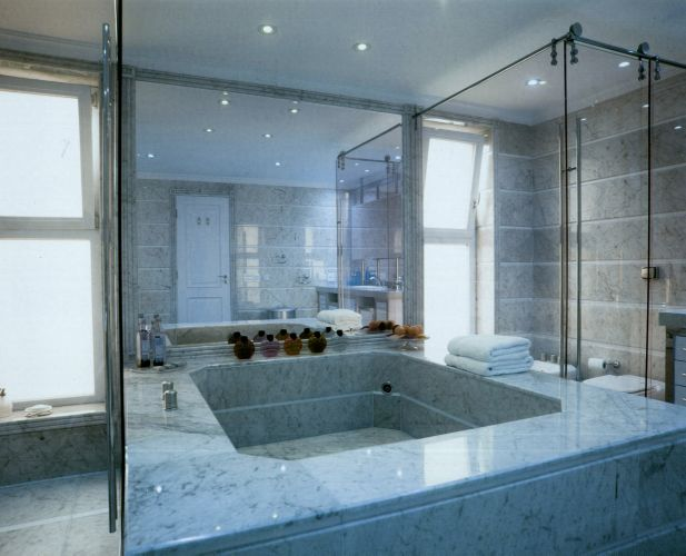 Banheiros Projetos que vão muito além do chuveiro  Casa e Decoração  UOL M -> Banheiro Com Banheira E Chuveiro Juntos