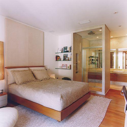 Banheiros Projetos que vão muito além do chuveiro  Casa e Decoração  UOL M -> Banheiro Pequeno De Vidro Dentro Do Quarto