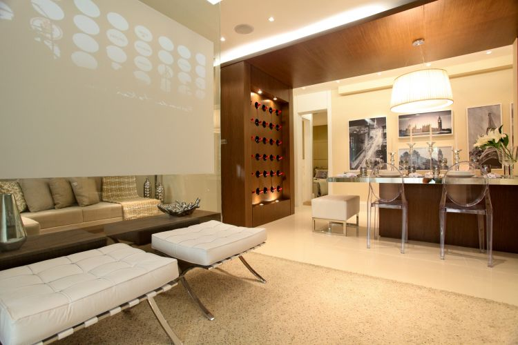 ap de 75 m tem projeto de decora o de camila klein. Black Bedroom Furniture Sets. Home Design Ideas