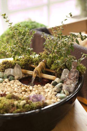Zen aprenda a fazer um jardim com fonte para renovar as energias