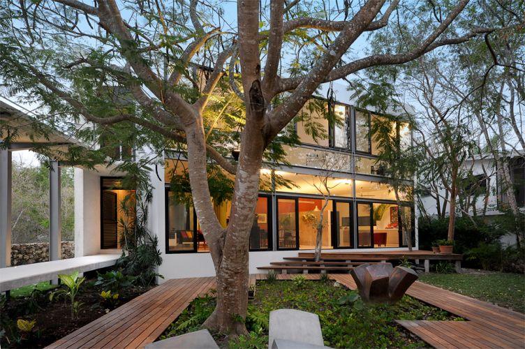 O projeto do arquiteto Javier Muñoz Menéndez implantou a casa
