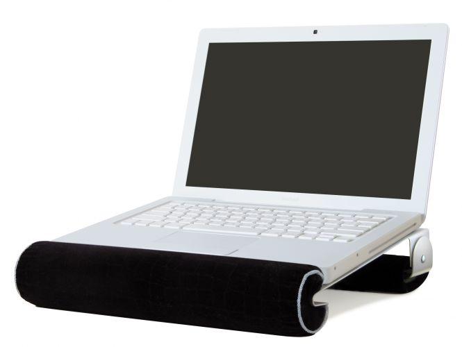 Da Rain Design, o iLap é um apoio para notebook de alumínio com uma almofada de veludo para apoiar os pulsos e inclinar o computador. O aparador está disponível em três tamanhos e pode ser comprado no Submarino. Preço: R$ 299 (13,3