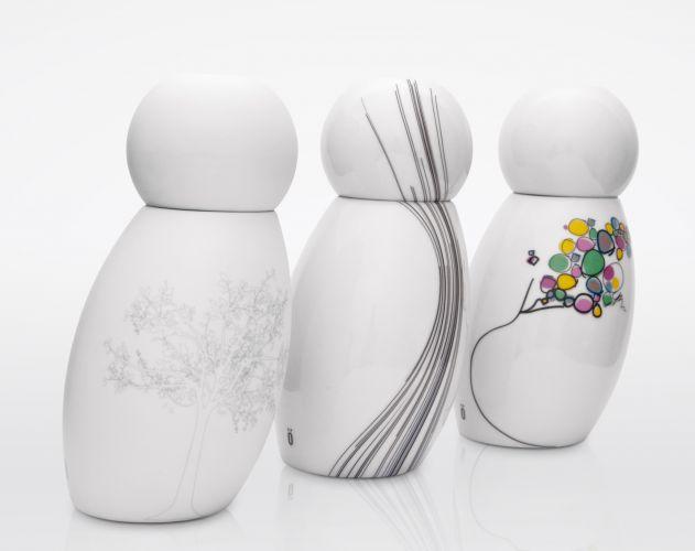 A Moringa#1 em porcelana e diversas estampas tem capacidade para 600 ml e 19,2 cm de altura. O objeto da marca Jödja foi premiado pelo iF Product Design Award 2011. Preço: R$ 99 (no site da empresa). www.jodja.com.brPreços consultados em abril de 2011 e sujeitos a alterações