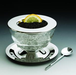 O porta caviar redondo mede 14 cm e é feito de inox. Da Wolff para a Universal Presentes. Preço: R$ 184,90www.rojemac.com.brPreços consultados em abril de 2011 e sujeitos a alterações