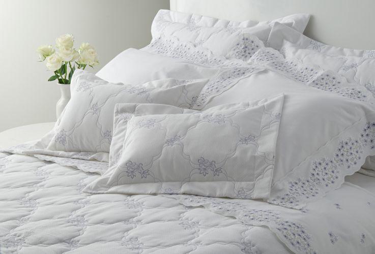 1b5404c478 Veja uma seleção de roupas de cama para deixar o quarto no clima das ...