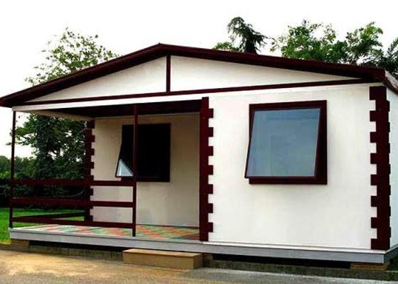 A Easy Kit Casa é toda construída em blocos de PVC. Segundo o fabricante, a casa pode ser montada por uma pessoa em apenas dois dias e suporta ventos de 120 km por hora - Divulgação