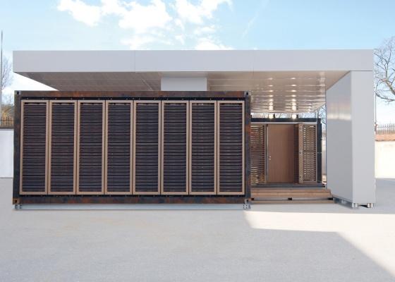 Diversas tecnologias de economia de energia foram empregadas na casa, como o sistema solar térmico, o de refrigeração compacta e a armazenagem de energia elétrica em baterias - Divulgação