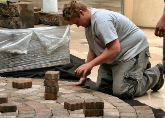 """Faça um acompanhamento de perto durante a obra, mas não """"sufoque"""" o trabalhador"""