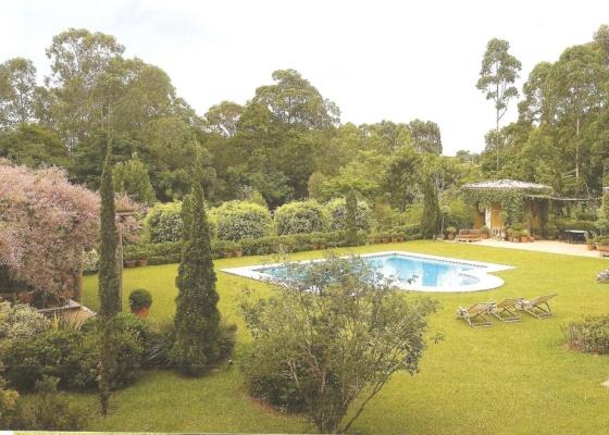 O jardim de 6 mil m² onde o paisagista Roberto Riscala se refugia nos finais de semana - Divulgação/Editora Europa