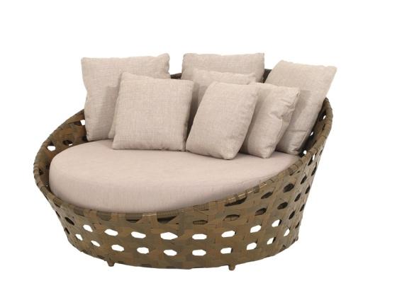 O sofá Chaisi Durini é uma das peças em liquidação - Divulgação