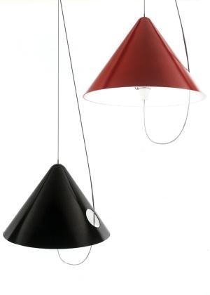 Buco Lamp, luminária desenhada por Ana Mir e Emili Padrós em 2006 e produzida pela Marset - Divulgação