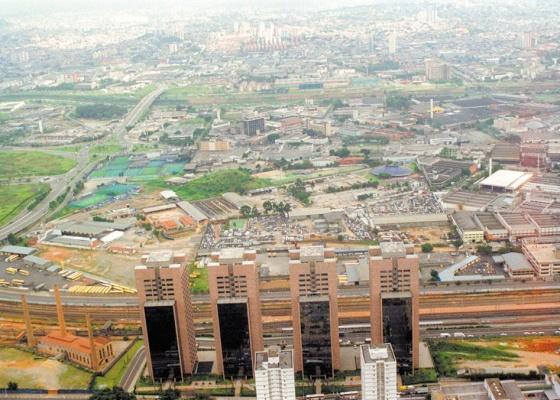 Vista aérea do Complexo Empresarial Água Branca, na Barra Funda, em São Paulo (SP)