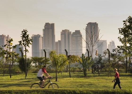 Prédios residenciais no bairro da Vila Leopoldina, em São Paulo (SP)